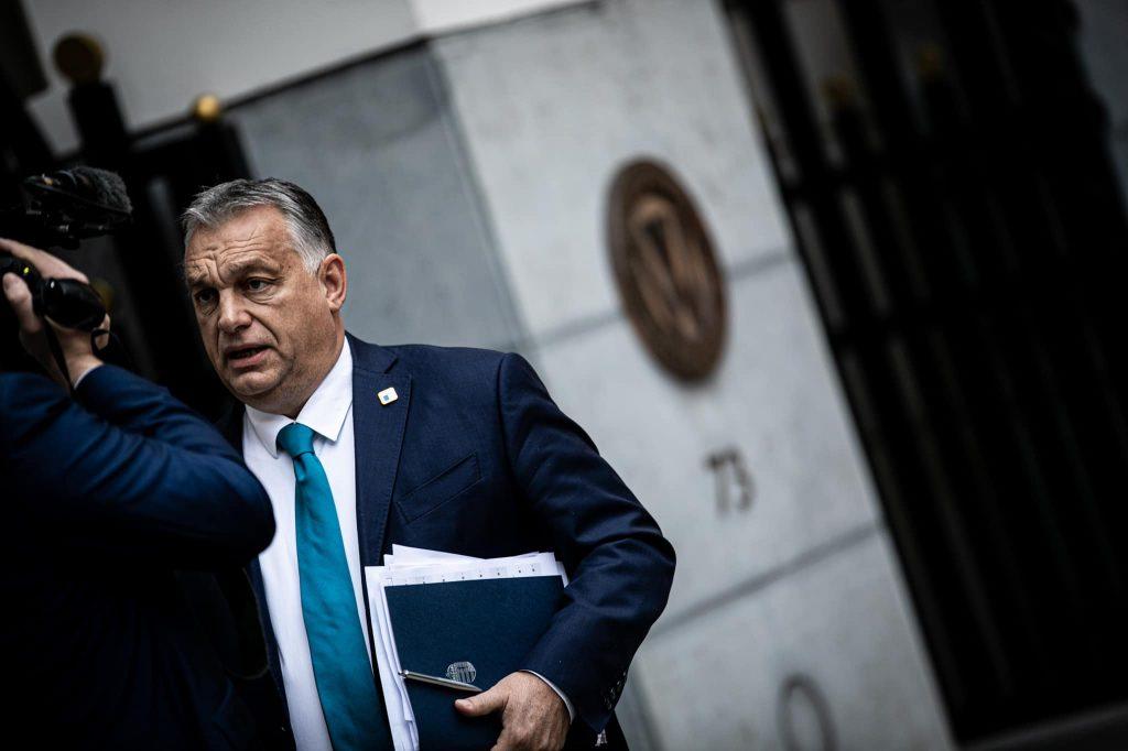 Koľko míňa Orbán na reklamu na facebooku?