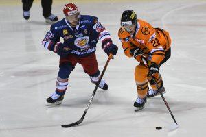 V šlágri 17. kola hokejovej extraligy pod Pustý hrad pritiahne Slovan