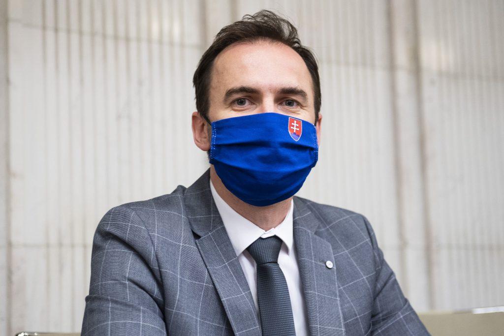 Z ministrov OĽaNO by sa dal nájsť nový premiér, myslí si Šípoš