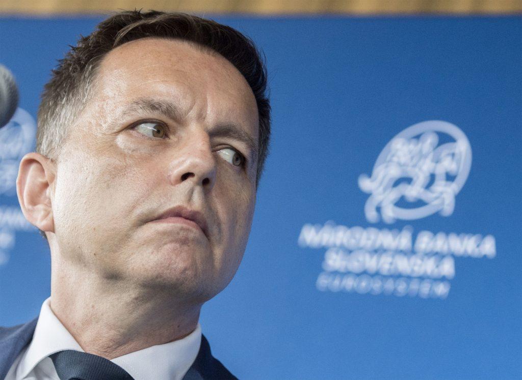 Centrálna banka by  pomohla iba zdravým firmám a neodsúvala by už splátky úverov