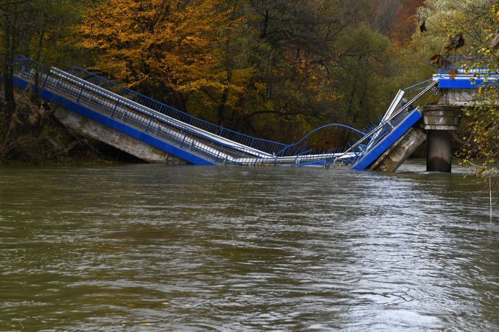 Na Slovensku padajú mosty a má to pokračovať