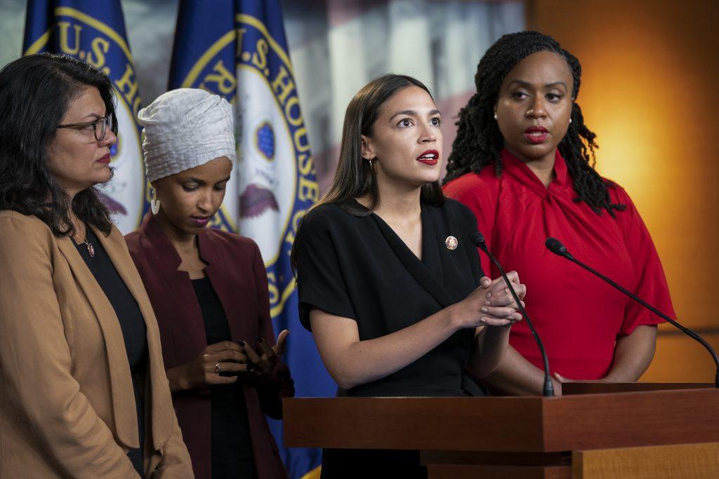 """Demokrati v USA už vytvárajú """"kádrové"""" zoznamy nepohodlných trumpistov"""
