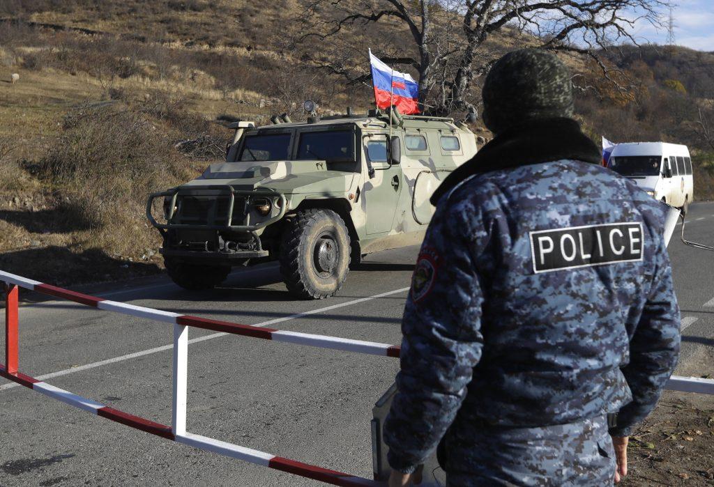 Po karabašskom prímerí sa opustení Arméni primkli bližšie k Rusom