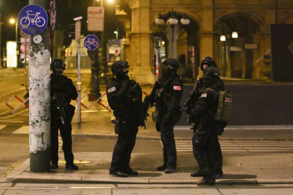 Čo vieme o útoku vo Viedni