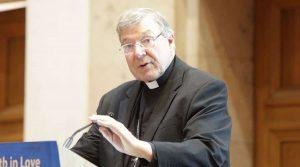 Kardinál Pell hovoril o tom, prečo bol dokonalým terčom pre súdy. Pápež František sa stretne s Bidenom