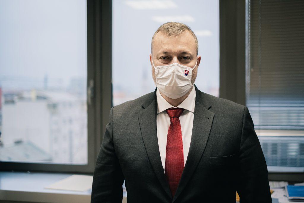 Minister Krajniak: Treba prestať diskriminovať tých,  ktorí mali deti