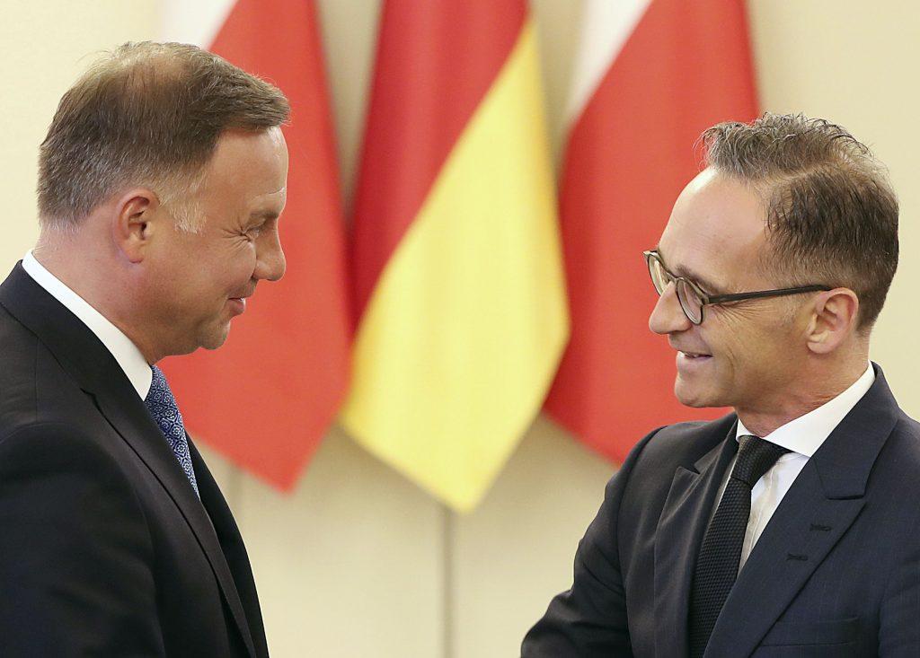 Pred Nemeckom stojí zlomenie poľského a maďarského veta
