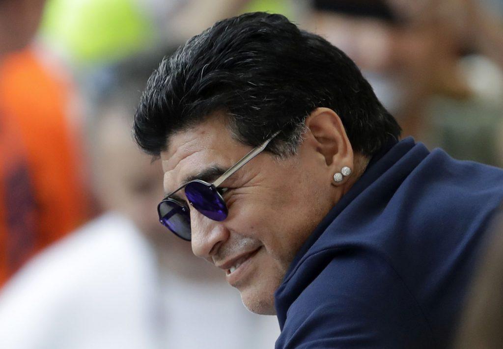 Umrela hviezda futbalu Diego Maradona