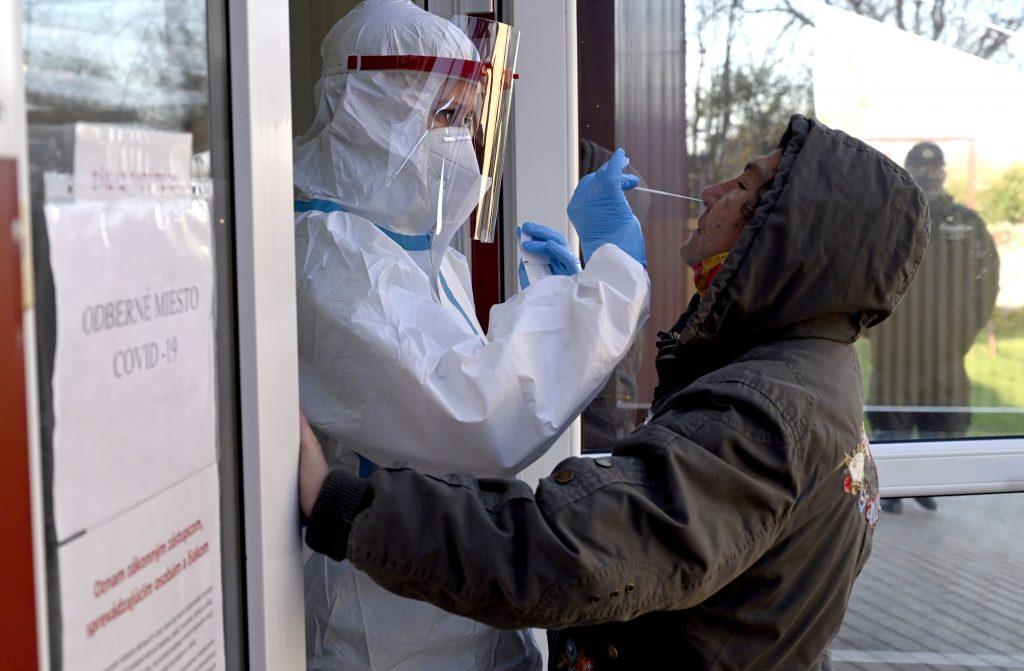 Pandemická situácia sa zhoršuje. Aj správnu metódu sme čiastočne pokazili