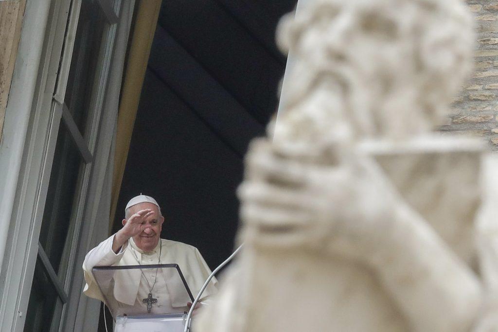 Pápež vyberá pápeža