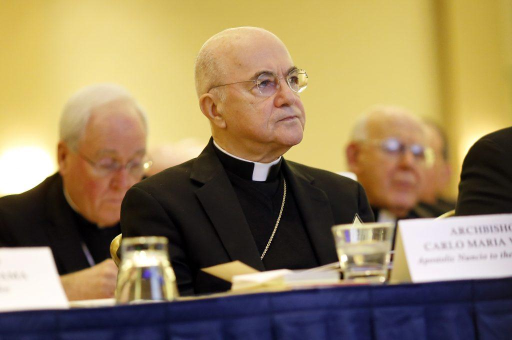 Viganó píše americkým katolíkom a vracia sa k McCarrickovi