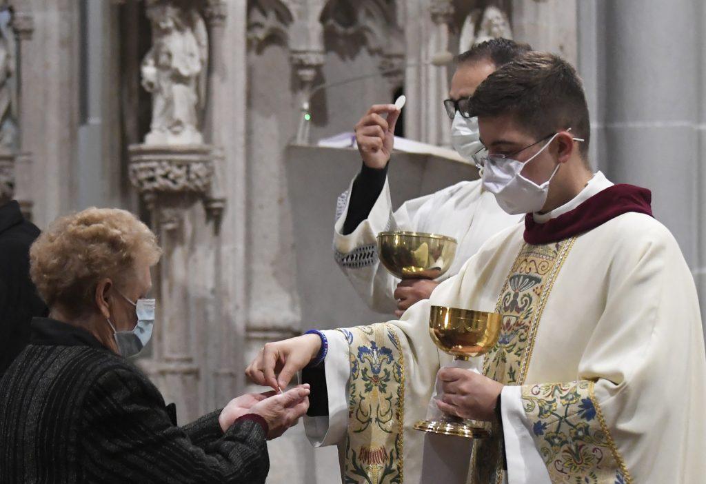 Šíri sa petícia za uvoľnenie epidemiologických opatrení pre slávenie verejných bohoslužieb