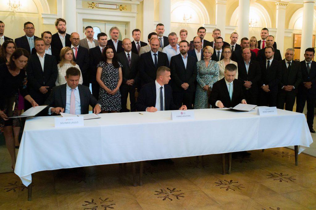 Maďari sa spájajú, veľké spojenectvo sa zatiaľ nekoná