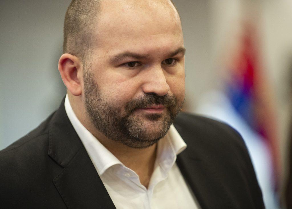 Peter Pčolinský avizuje trestné oznámenie na expolicajta za krivé obvinenie jeho brata
