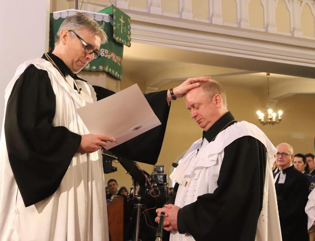 Biskup Eľko: Vianoce bývajú pre duchovných ECAV obrovskou záťažou