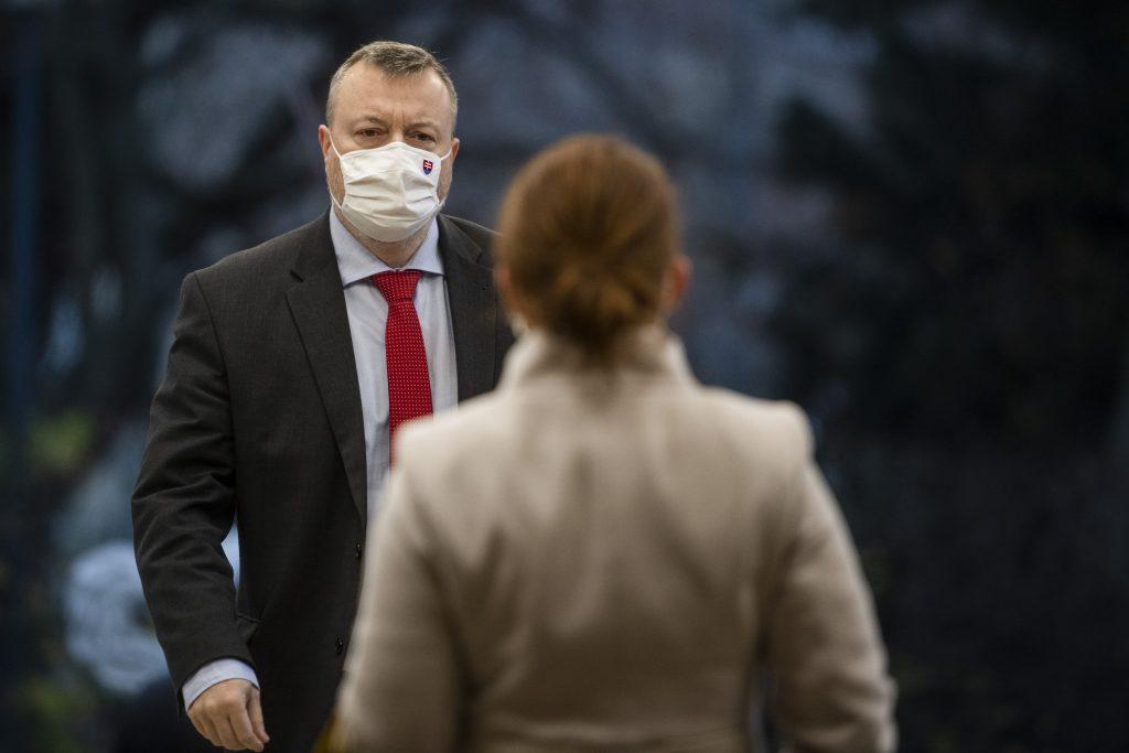 Krajniakov úspech: slovenský parlament schválil veľkú vec