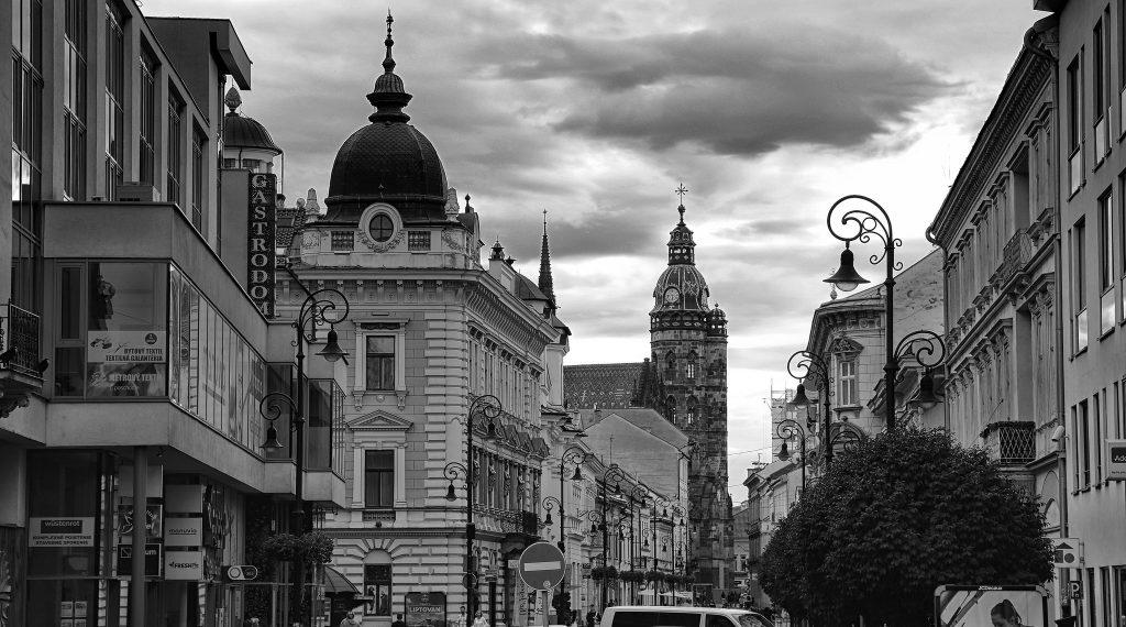 Prieskum pre Štandard: K viere sa hlási 84 percent Slovákov