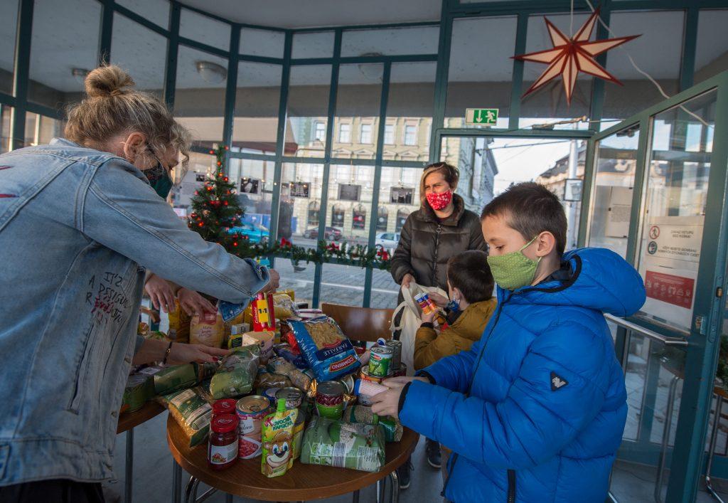 Farmári prišli s projektom Slovenské Vianoce. Bez podpory ich mať nebudeme, znie z parlamentu