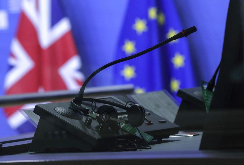 Tvrdému brexitu sme sa vyhli, už len stačí potvrdiť dohodu