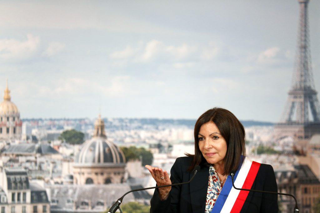 Parížska starostka dostala pokutu. Radnica zamestnala priveľa žien