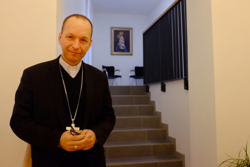 Biskup Haľko: Ani Jozef s Máriou a Ježiškom nemohli ísť tam, kam chceli