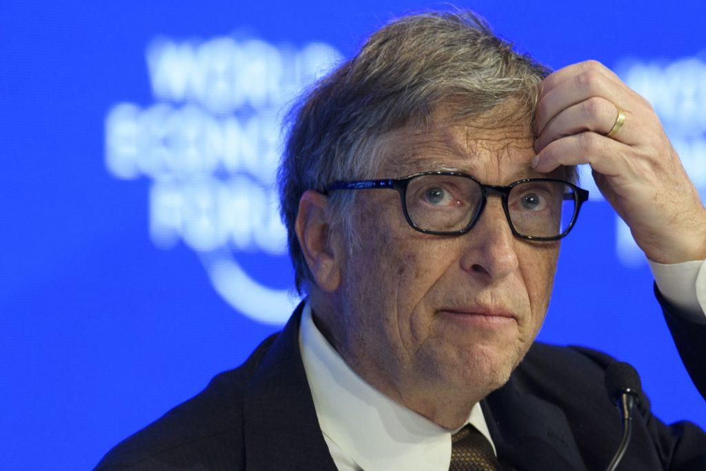 Bill Gates chce očkovaním znižovať populáciu, ale cez záchranu detských životov