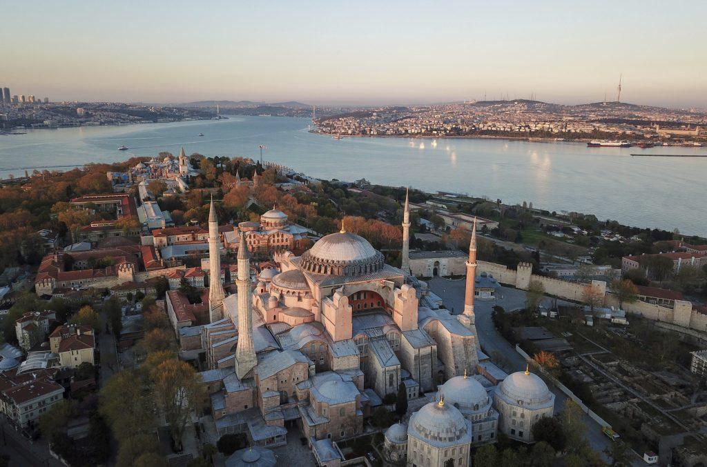 Z Istanbulu miznú posledné pozostatky byzantských Grékov
