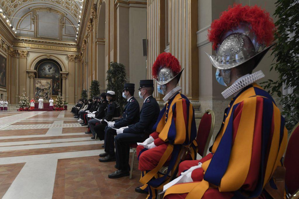 Čo sa cez Vianoce riešilo vo Vatikáne? Večné témy, v obidvoch významoch slova