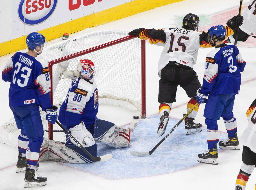 Tento zápas sme nezvládli v hlavách, znie zo slovenskej šatne po prehre s Nemeckom