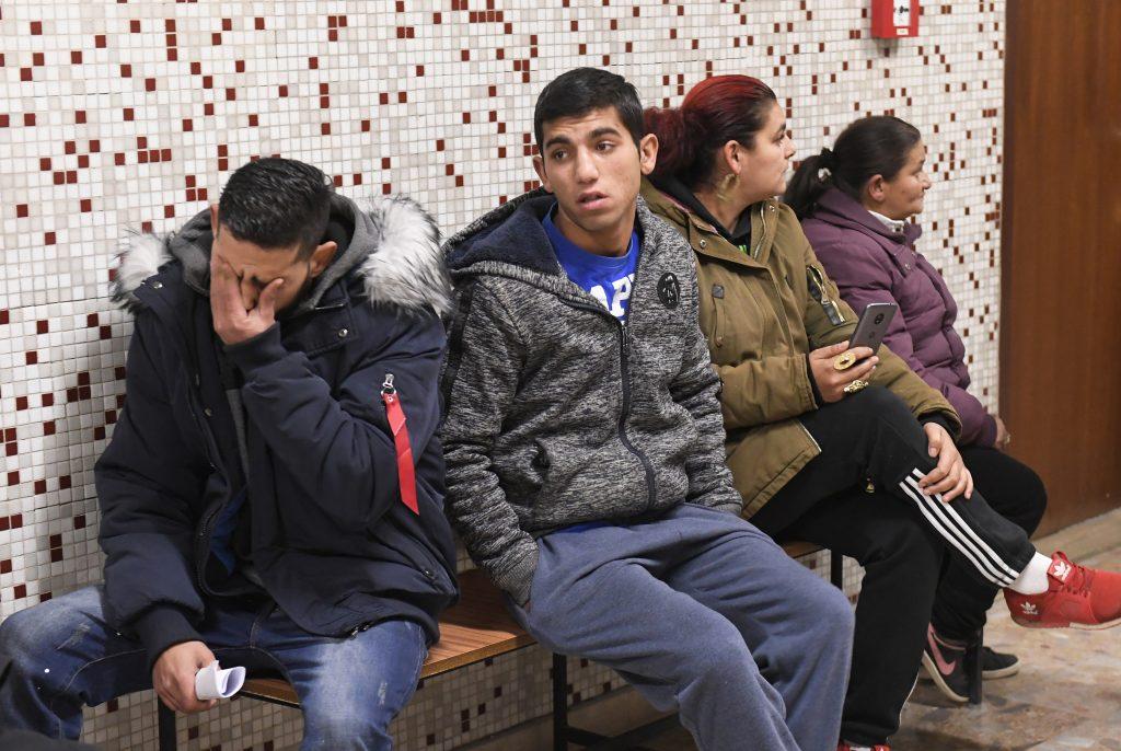 Policajti, ktorí mali šikanovať rómskych chlapcov sú nevinní, potvrdil súd