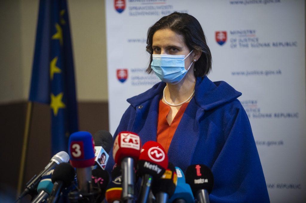 Prípad Lučanský: Kamerové záznamy zatiaľ nezverejnia. Stačila bunda, 9 minút a posteľ, uviedla Kolíková
