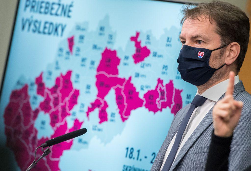 Lockdowny majú podľa Matoviča na Slovensku pokračovať ďalej