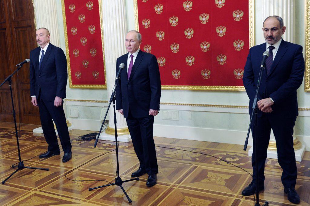 Karabach: Ako Putin nateraz podporil obliehaného prozápadného lídra