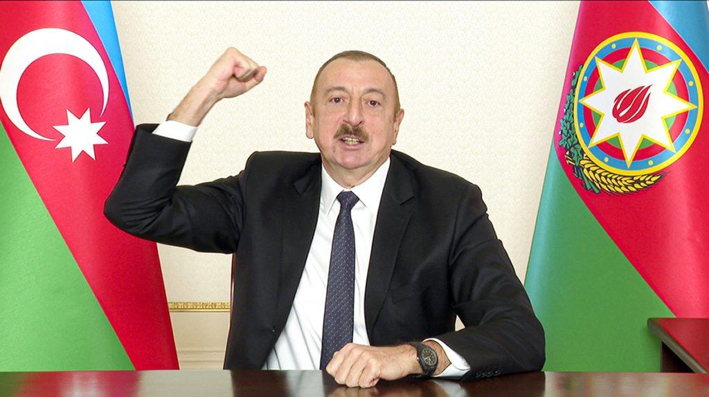 Karabašský desiatok: Baku chce peniaze na dobyté územia zrážať z platov