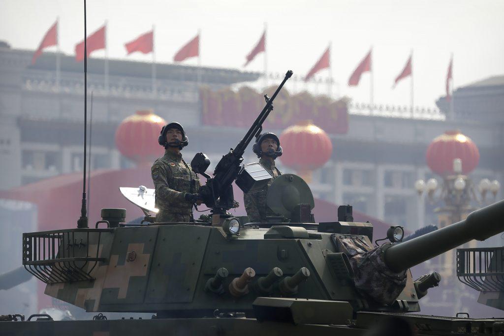 Čínski velitelia budú vedieť vojakov odpaľovať na diaľku