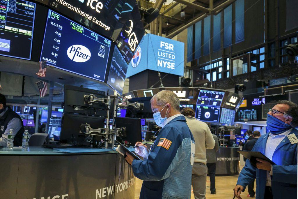 Trhy reagovali na útok na Kapitol pokojne, dôležitejšia bude politika demokratov