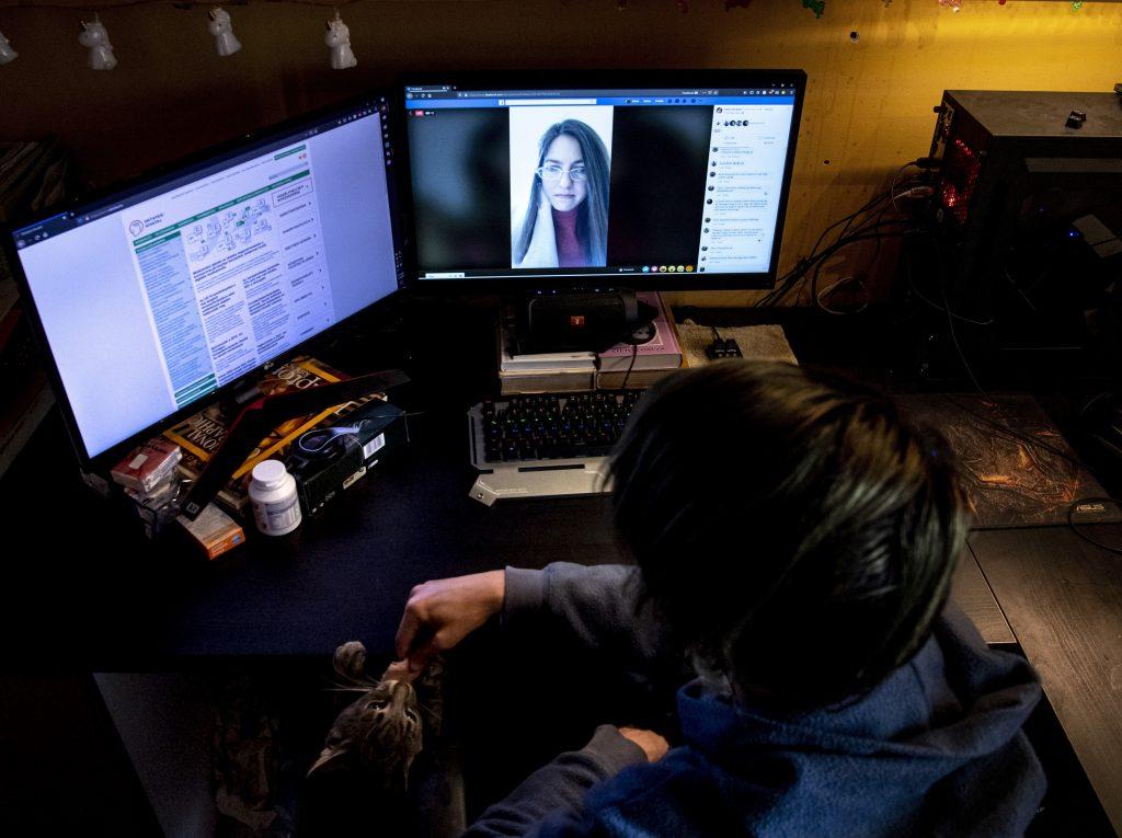 Sexuálnu správu dostalo každé piate dieťa. Polícia radí, čo s hrozbou z internetu