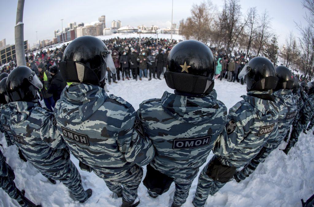 Väznený Navaľnyj dostal ľudí na námestia. Vláda reagovala postihmi