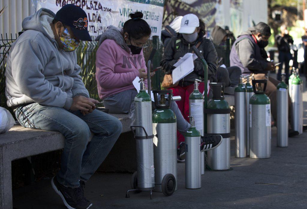 Mexiko ide na koronu svojou cestou. Žiadne postihy za porušenie opatrení