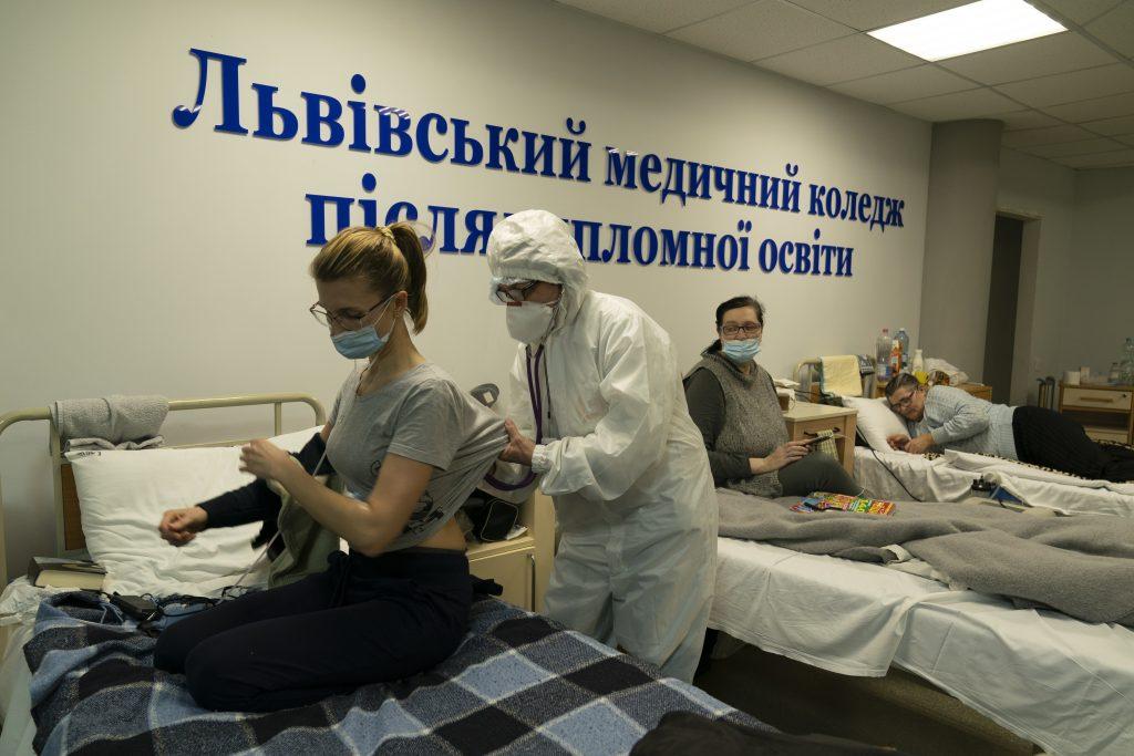 Neschopnosť Kyjeva zabezpečiť vakcíny otvára dvere ruskému vplyvu