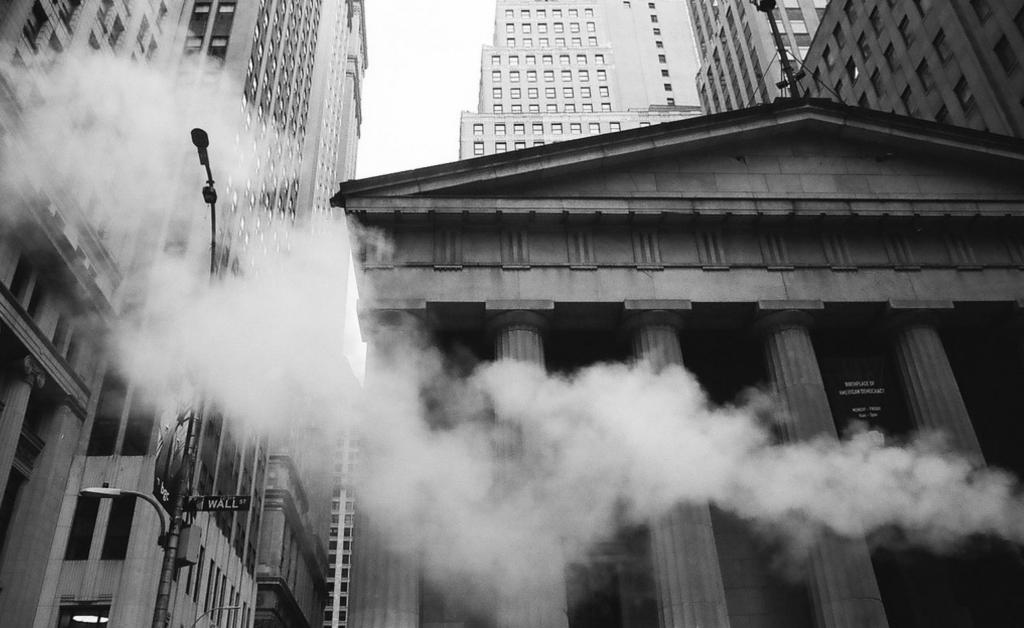 Ako amatéri z internetu zmanipulovali akciový trh na Wall Street