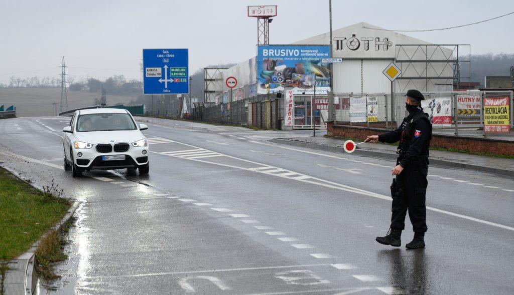 V Nitre a jej okolí platí od pondelka prísnejší zákaz vychádzania