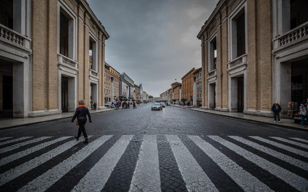 Svätú stolicu ťažko postihla pandémia, hospodári s deficitom 50 miliónov eur