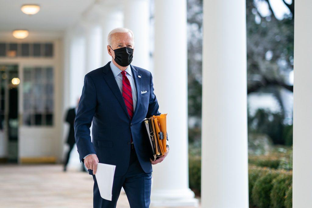 Už je to tu. Biden posilňuje zahraničnú LGBTQ agendu. Hrozí sankciami a vízami
