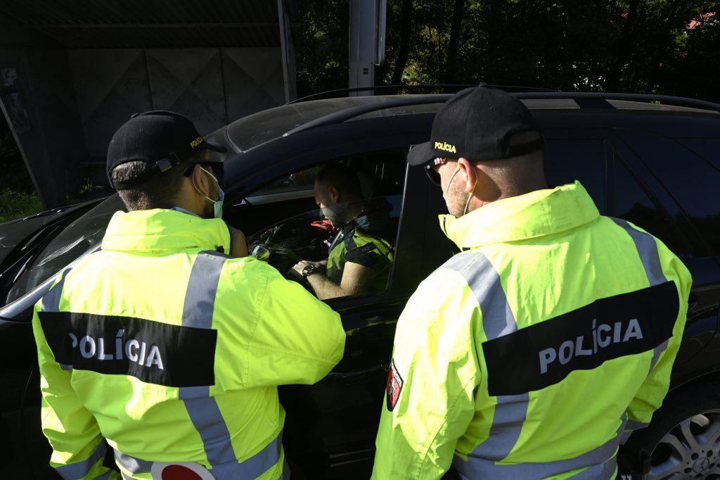 Sprísnenie na hraniciach: Slováci cestujúci do Česka musia ísť do karantény