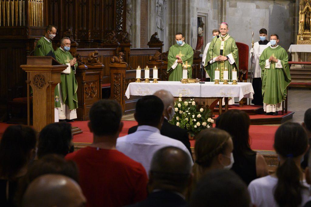 Biskupi: Zákaz omší je neúnosný. Matoviča žiadajú o zmenu pravidiel