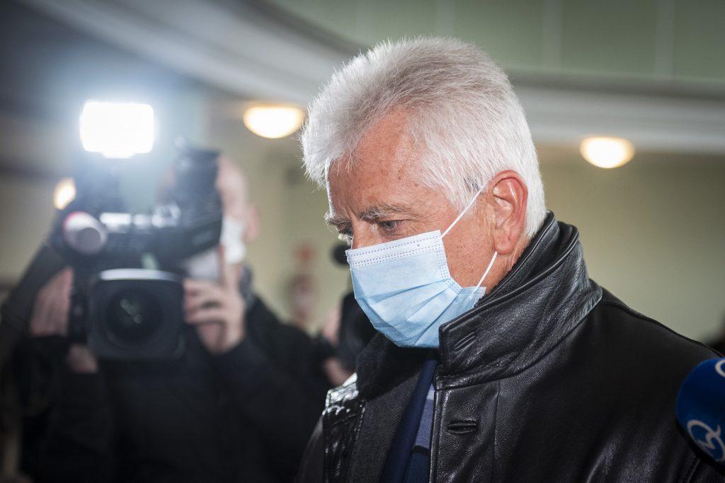 Obvineného Jozefa Brhela po šesťhodinovom výsluchu polícia zadržala