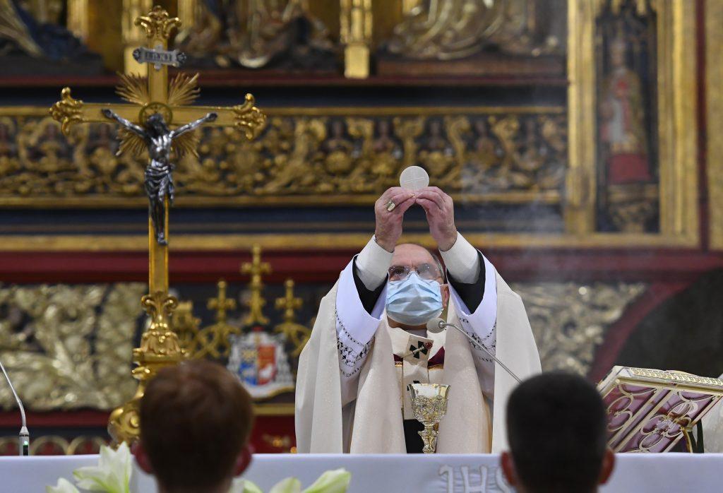 Začína sa pôst, sú riešenia, ako na Veľkú noc otvoriť kostoly, tvrdí Kresťanská únia
