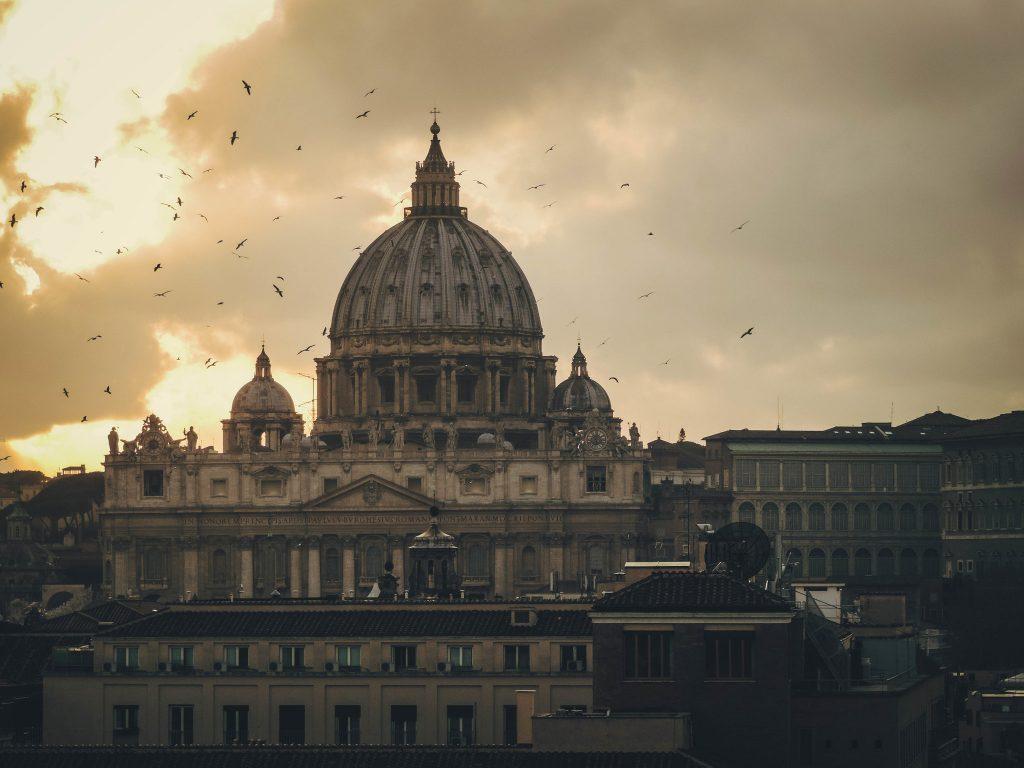 Pápežova synodalita vraj protestantizuje cirkev