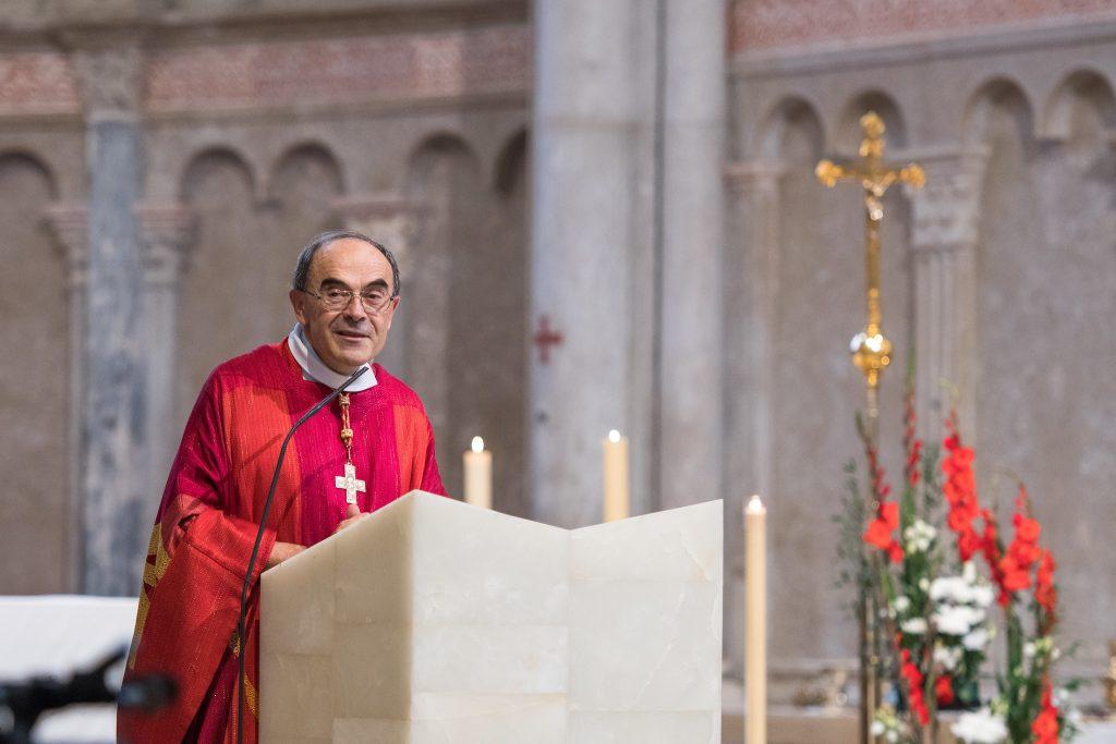 Sexuálne zneužívanie vo Francúzsku stále rastie. Mimoriadne zasadli biskupi